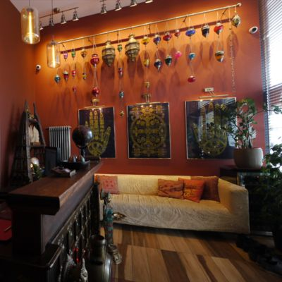 Tantric massage lounge salon